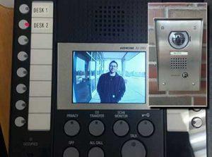 comm-video-desk-station